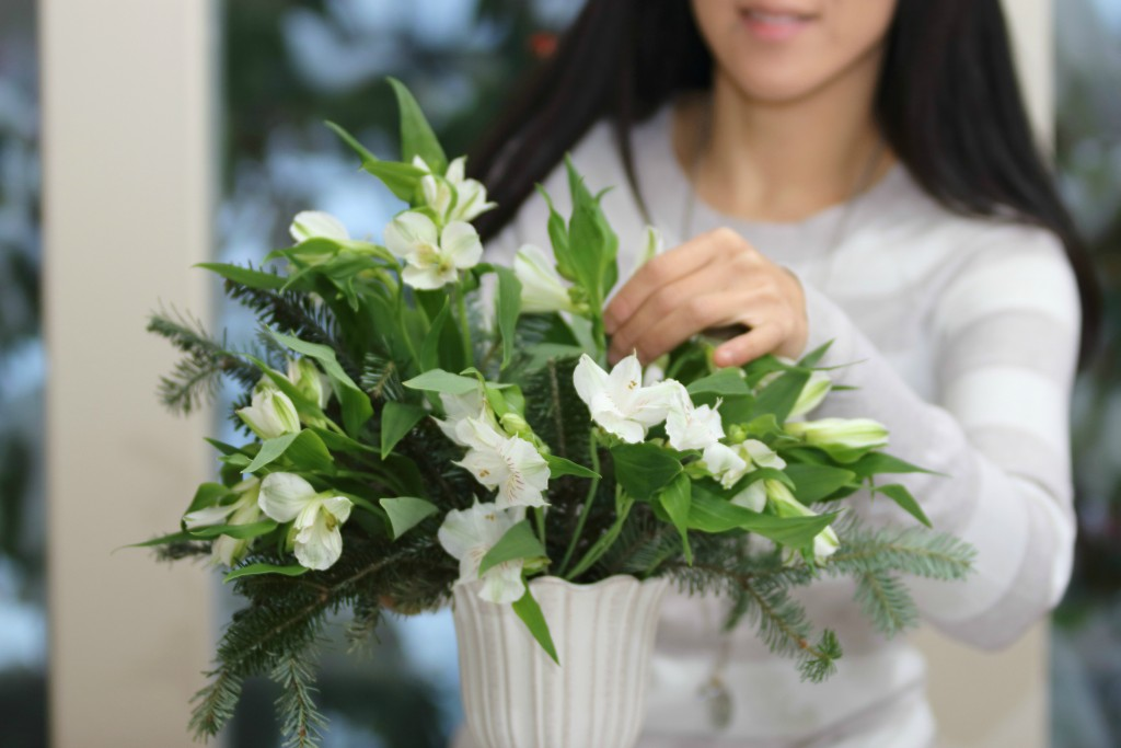 Grand Rapids Wedding Planner and Floral Designer - DIY Christmas Holiday Flower Arrangement Centerpiece - Step 3
