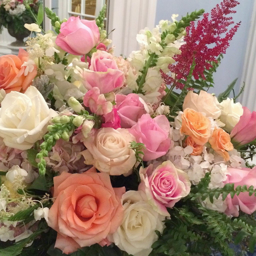 Grand Rapids Wedding Planner, Floral Designer - Pantone's colors for Spring 2016 - Peach Echo 16-1548